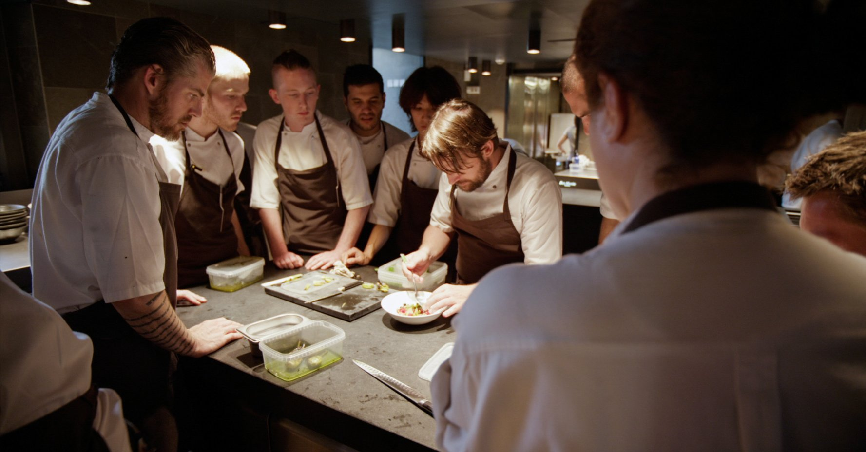 预告片 |《NOMA 美食风暴》11月上映,一起来感受北欧料理的魅力吧-乌贼派